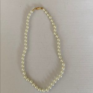 Brand new women's Pearl necklace
